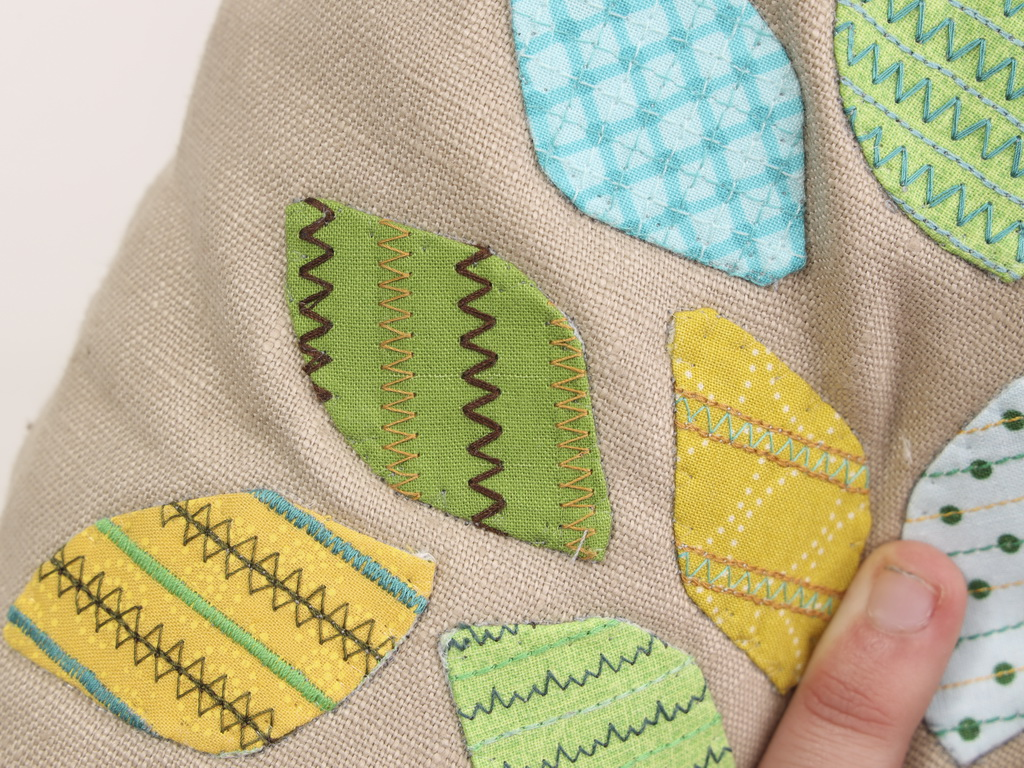 DOUBLE OVERLOCK STITCH - Decorative Stitching